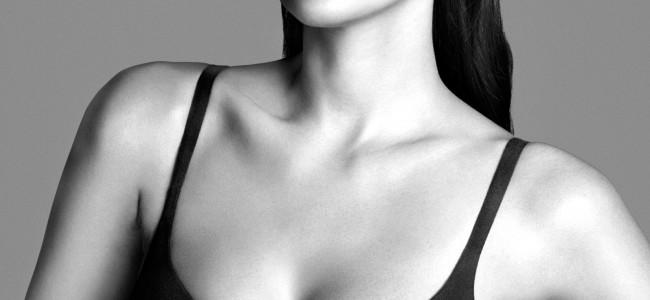 Il fascino delle ragazze 'morbide' approda anche in Calvin Klein: ecco l'intimo con Myla Dalbesio