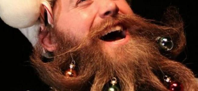 A Natale addobbi ovunque, anche sulla barba [FOTO]