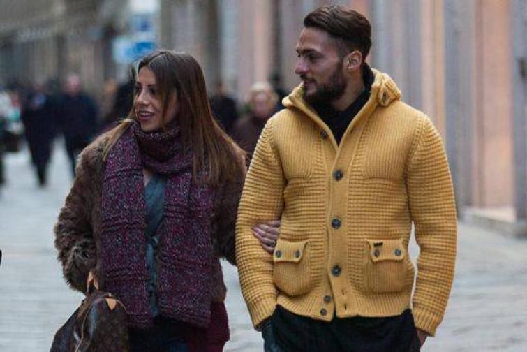 Danilo D'Ambrosio fashion per le vie di Milano