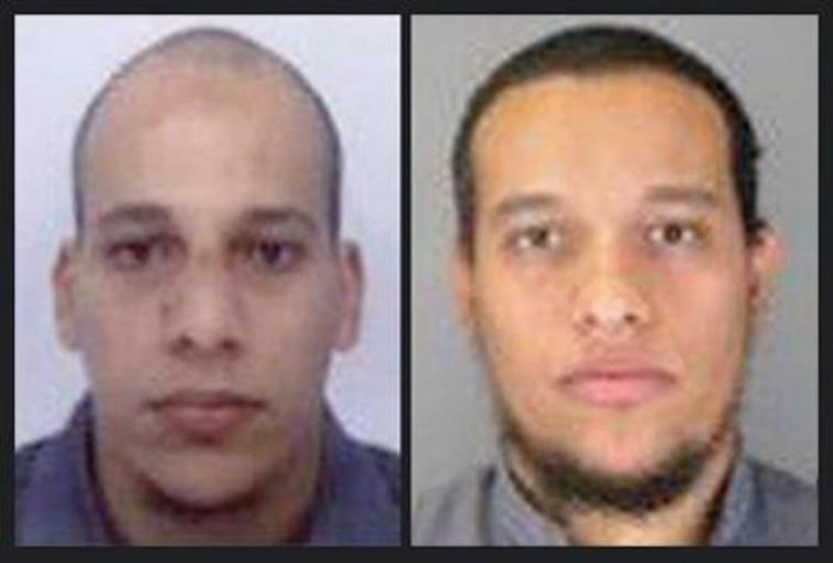 Charlie Hebdo: killer barricati in casa