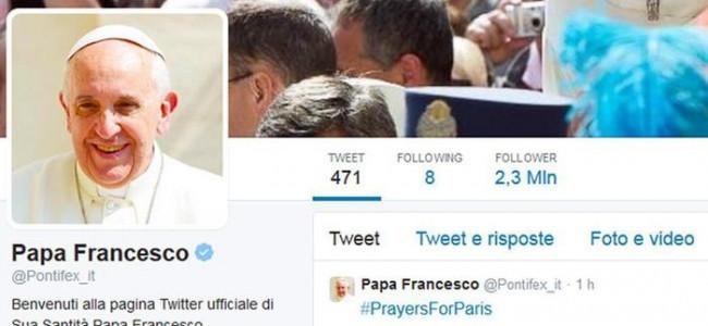 #PrayersForParis: Papa Francesco invita a pregare per le vittime della strage di Parigi