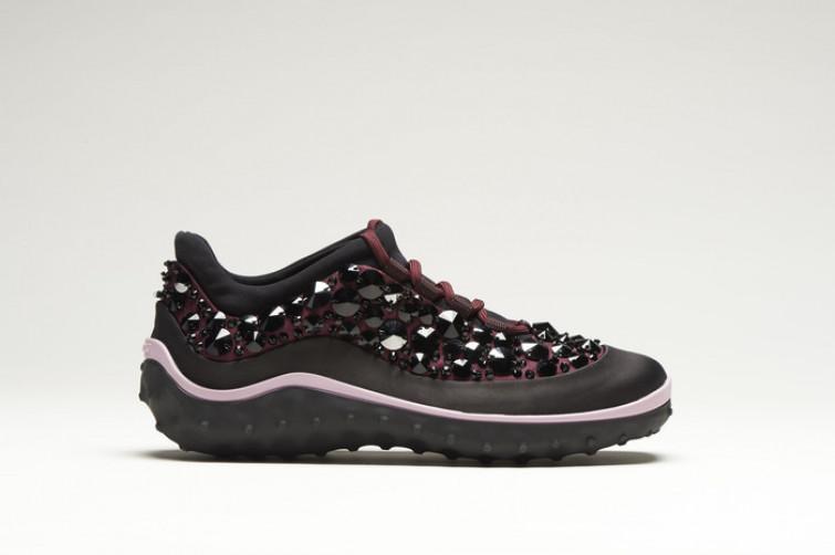 Astro Running: le scintillanti scarpe sportive di Miu Miu
