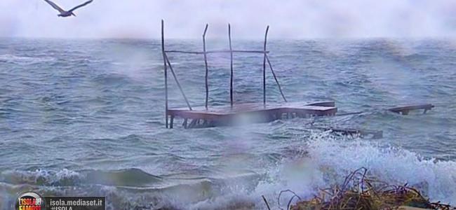 Isola dei famosi: tutto rinviato a lunedì prossimo a causa del maltempo