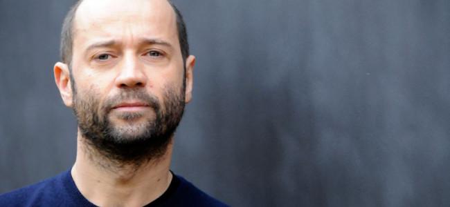 Fabio Volo, giornalista per finta, allontanato da Montecitorio