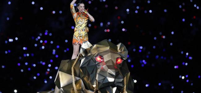 Super Bowl: la performance di Katy Perry incanta tutti [FOTO e VIDEO]