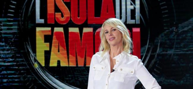 Cicogna in arrivo per Alessia Marcuzzi: la conduttrice dell'Isola dei Famosi sarebbe incinta
