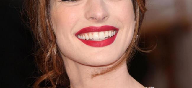 SOS sorriso: i vips hanno rimediato così ai denti non proprio perfetti [GALLERY]