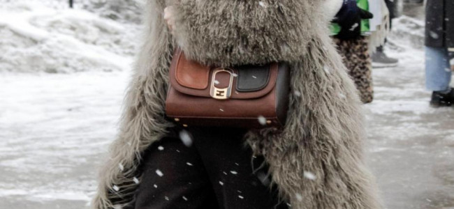 "Lo streetstyle ""immortalato"" a New York durante la Fashion Week: il glamour anche sotto la neve[FOTO]"