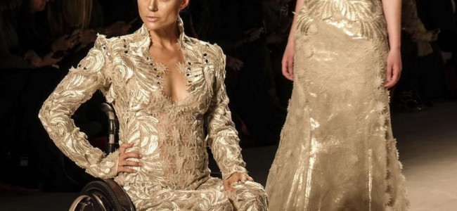 Modelle in carrozzina alla Fashion Week di New York: la scelta coraggiosa degli stilisti [GALLERY]