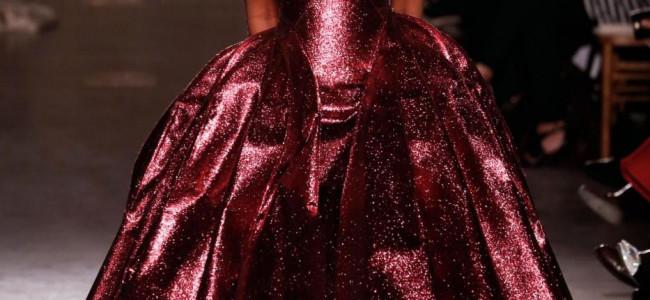 Naomi Campbell sfila per Zac Posen alla New York Fashion Week 2015 [GALLERY]