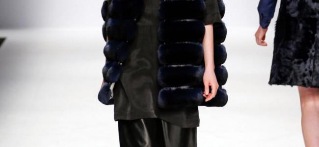 Milano Fashion Week 2015: Simonetta Ravizza si ispira a Carly Simon [GALLERY]