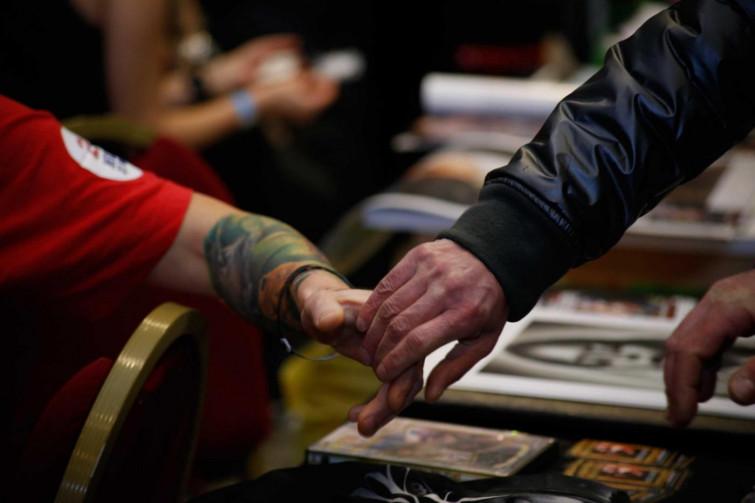 Allarme tatuaggi: le nanoparticelle di inchiostro viaggiano nel corpo