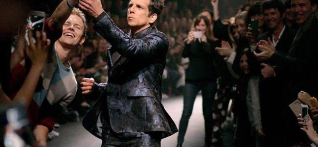 """Sfilata Valentino, Ben Stiller """"ruba"""" il telefono di un fan e inscena una gag esilarante [VIDEO]"""