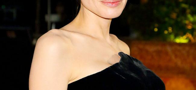 """Angelina Jolie si fa asportare le ovaie: Umberto Veronesi """"ha fatto benissimo"""", ecco i consigli per le donne"""
