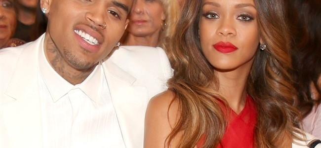 """Rihanna attacca Chris Brown e lo definisce """"una bestia"""": la cantante non ha dimenticato le violenze subite dall'ex"""