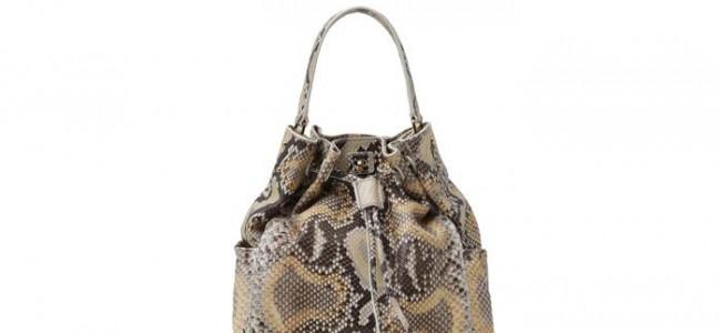 Torna di moda la borsa a secchiello