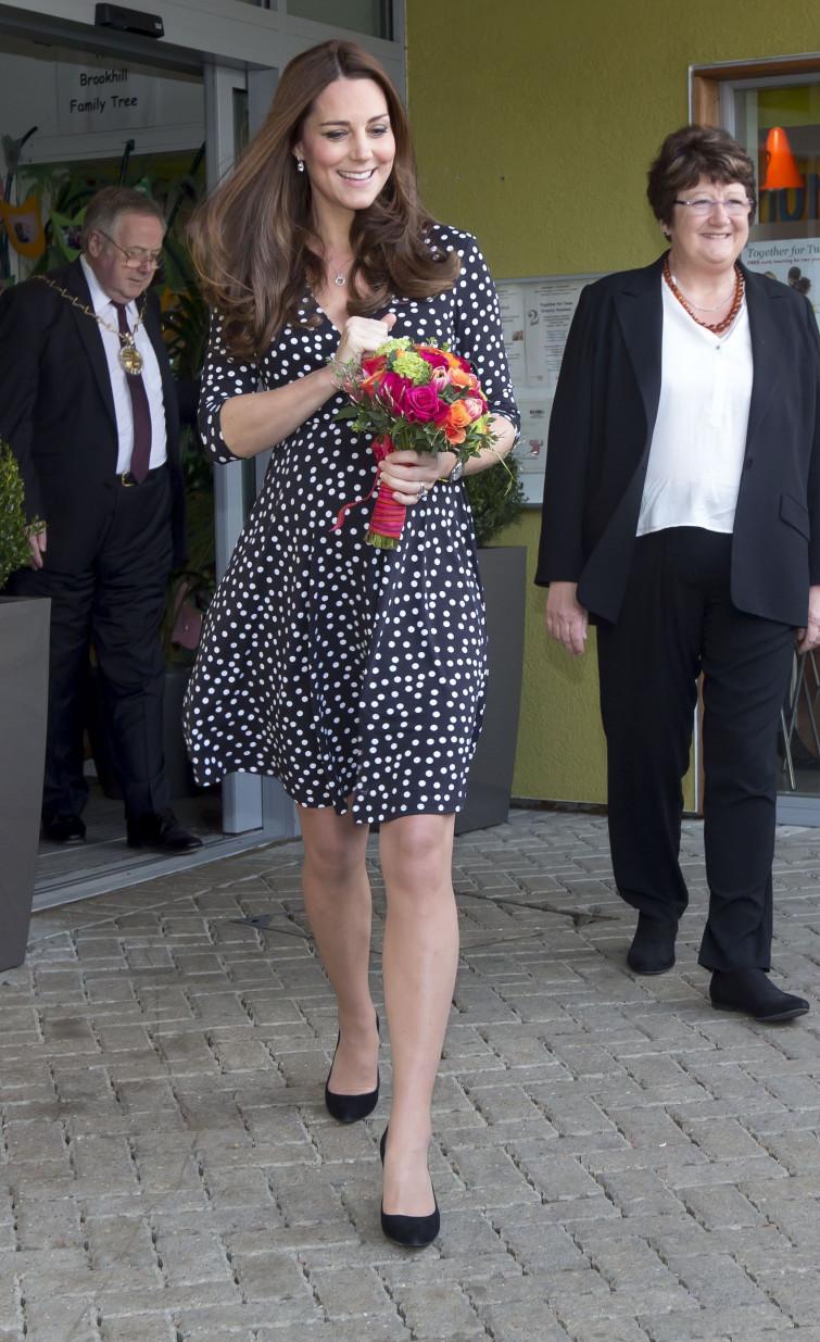 Anche i reali vestono low cost: Kate Middleton avvistata con un abito di 40 euro