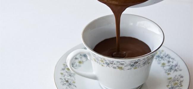 Nonna intossica i nipotini e i loro amici, ha offerto cioccolata scaduta da 25 anni