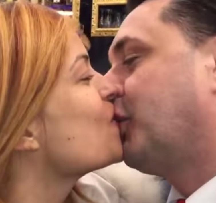 """Sara Tommasi incinta: """"aspetto forse un figlio dall'avvocato Andrea Diprè"""""""