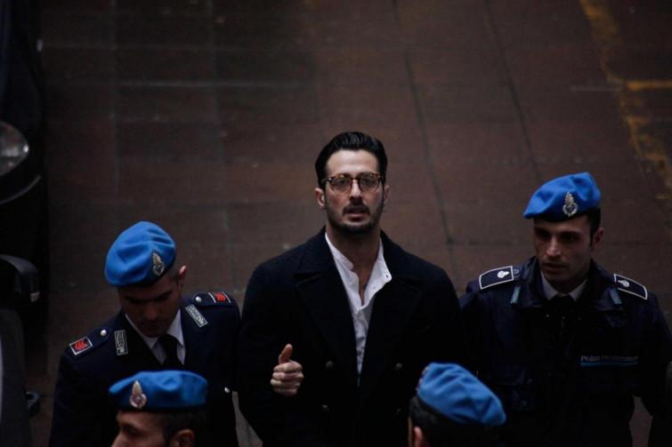Fabrizio corona scarcerato, ma lo aspetta la comunità di Don Mazzi