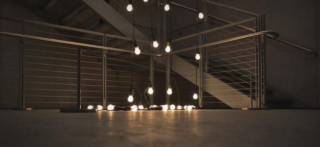 Crea la giusta illuminazione con splendide lampade da tavolo!