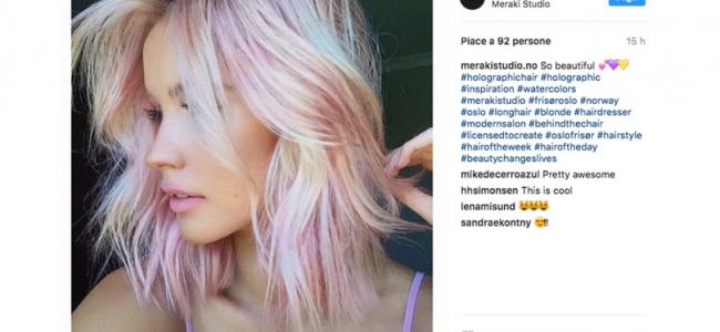 #HolographicHair: i capelli olografici che spopolano sui social