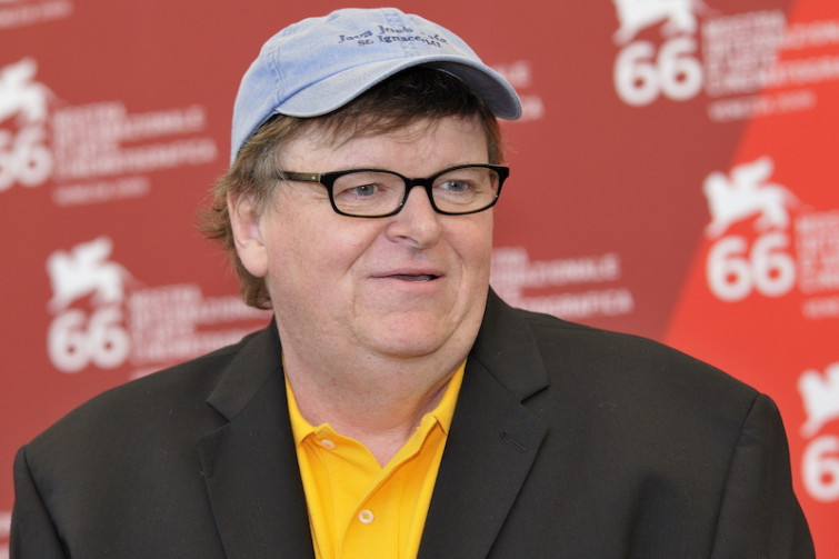 "Michael Moore annuncia film ""decisivo"" su Donald Trump"