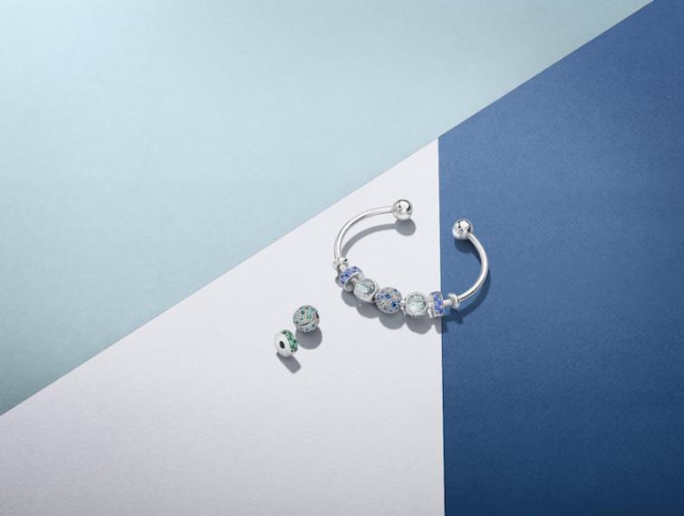 Pandora presenta i nuovissimi bracciali rigidi tutti da personalizzare
