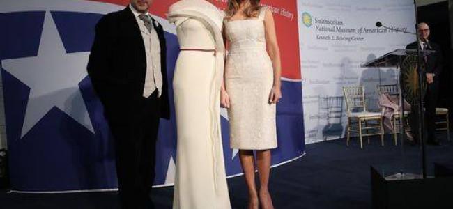Usa: la first lady Melania Trump dona un abito per l'inaugurazione del National Museum of American History