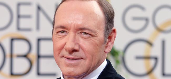 Kevin Spacey, accusato di molestie dall'attore Anthony Rapp, fa coming out