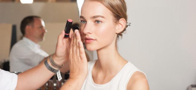 Nude Make up: ecco l'ispirazione per una scelta beauty di tendenza [GALLERY]