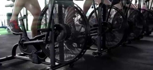 Assault Air Bike: la nuova tendenza del fitness che in 26 minuti da grandi risultati