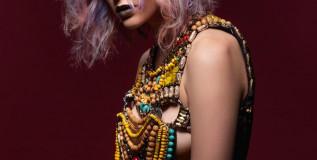 Tendenze capelli 2018: i colori naturali e metallico sono le nuance a cui ispirarsi [GALLERY]