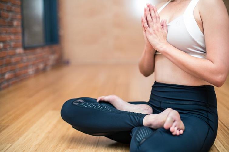 Fare yoga nudi: l'ultima tendenza del benessere