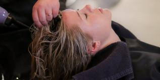 Ogni quanto bisogna lavare i capelli?