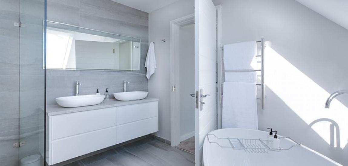 Il porta rotolo di carta igienica, un elemento indispensabile in bagno