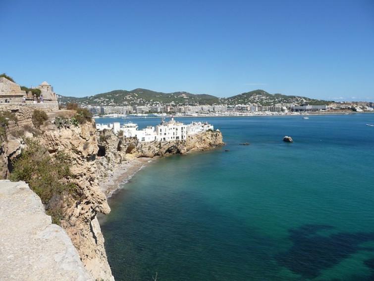 Una vacanza ad Ibiza: ecco 4 motivi per scegliere questa meta