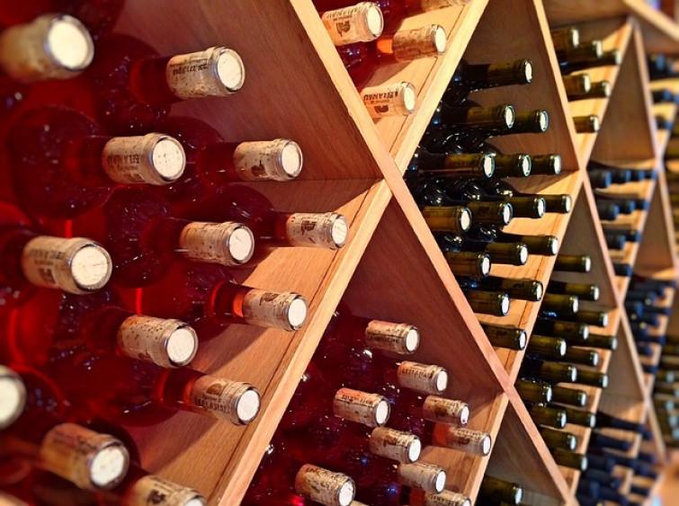 Bottiglie di vino, in che posizione vanno conservate?