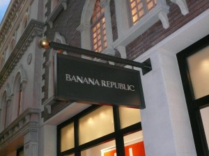 Banana_Republic_Logo,_Las_Vegas