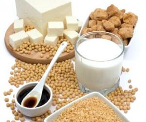 Mangiare-soia-fin-da-giovani-riduce-il-rischio-di-cancro-al-seno