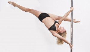 Pole-Moves-pole-dancing-15536592-2560-1493
