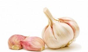 L-aglio-crudo-dimezza-il-rischio-di-cancro-ai-polmoni_h_partb