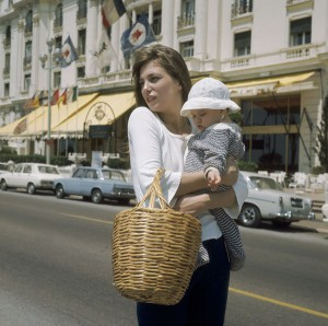 Jane Birkin And Her Daughter Charlotte Gainsbourg In Nice In 1972