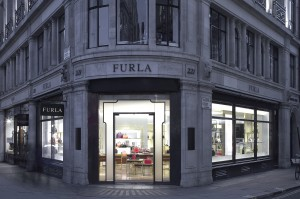 FURLA REGENT STREET _G2V9134_flattened LIGHT