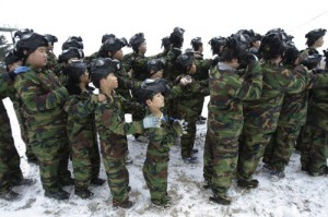 South Korea: Campo addestramento militare per bambini