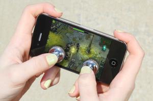 joystick-it-iphone_1