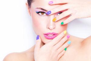 nail-art-colorata_1